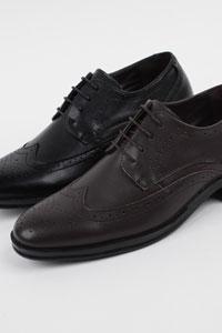 つま先にデザインされているステッチがポイント男性正装靴 Herry