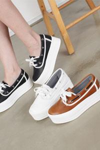 厚底ヒールでスタイルを良く魅せてくれる女性厚底靴 CN2 Padding
