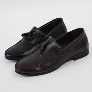足の甲部分のタッセルがポイント!男性カジュアル靴 Gaig Tassel