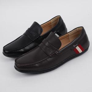柔らかくてソフトな牛革で作られた男性手製靴 Like
