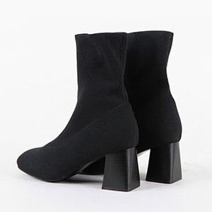 足首を安定感良く支えてくれる女性アンクルブーツ JY6520